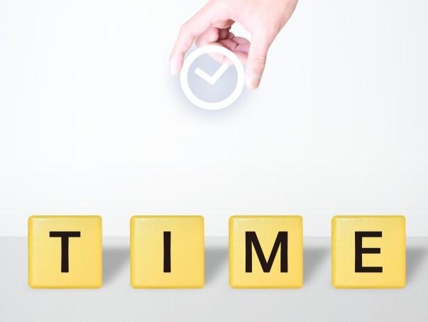 時計とTIMEの文字