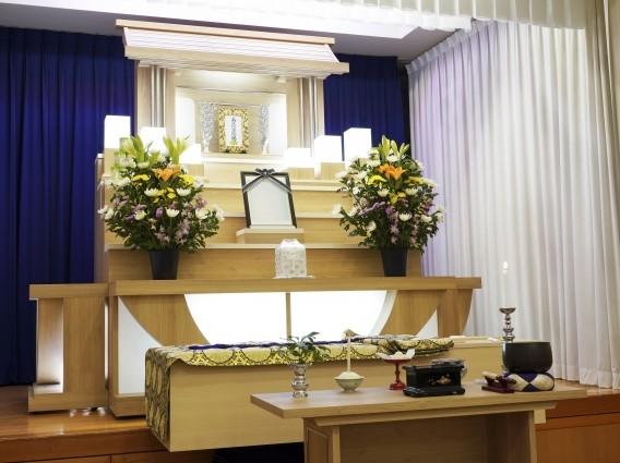 家族葬用の祭壇