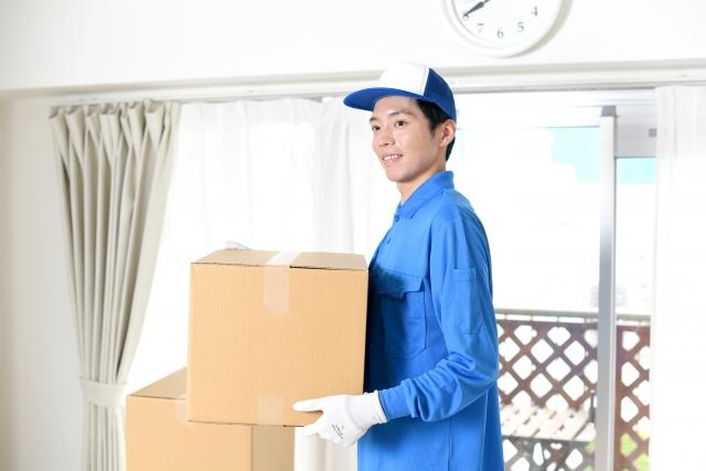 荷物を運ぶ業者